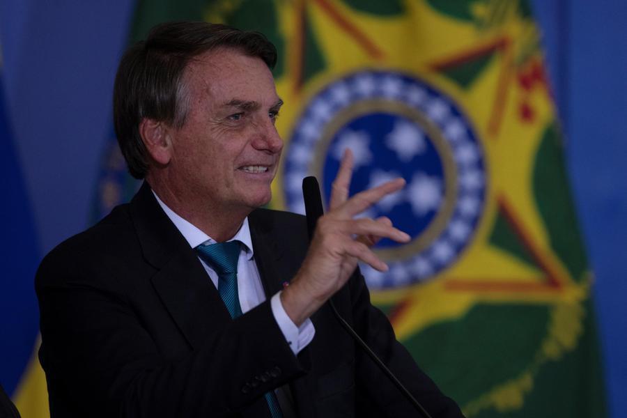 """Il Senato accusa Bolsonaro: """"Gestione folle della pandemia"""""""
