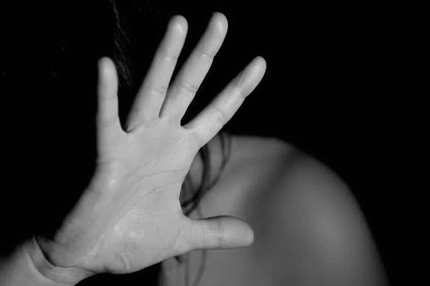"""Ue, il report choc: """"Il 70% delle donne italiane non denuncia molestie"""""""
