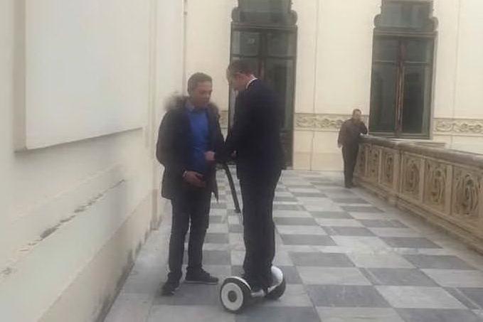 Cagliari, il sindaco a lezione di Segway