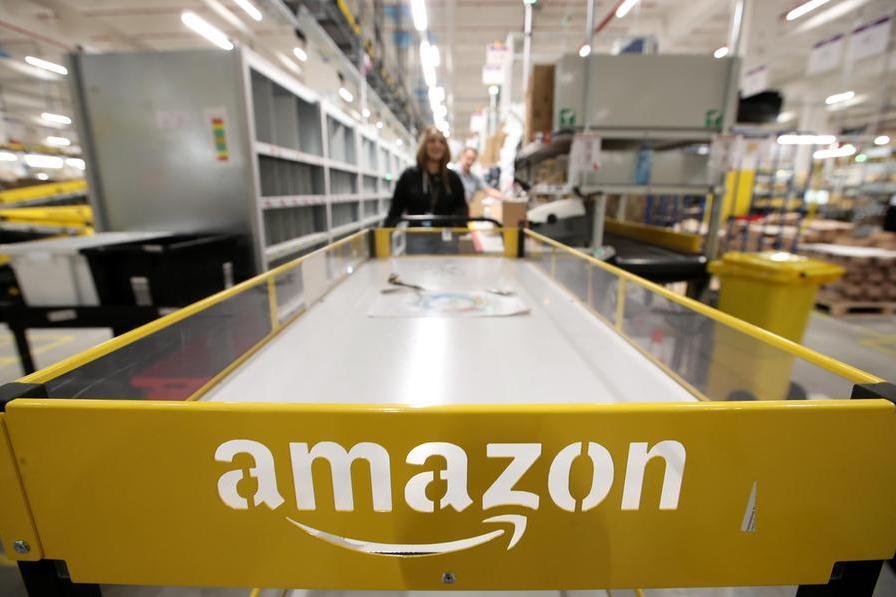 Amazon aumenta dell'8% il salario di ingresso dei lavoratori della logistica