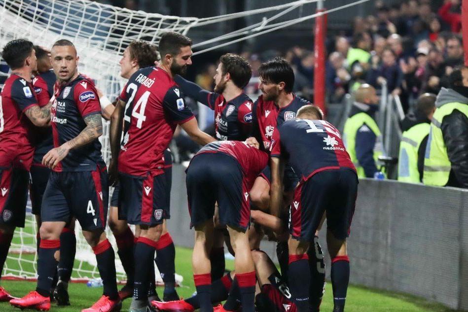 Cagliari-Parma, emozioni in radiocronaca