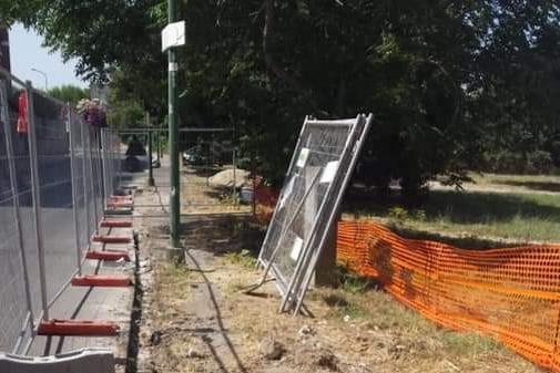 Sassari, cominciati i lavori di rifacimento del marciapiede di Via Coghinas