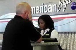 American Airlines minaccia di licenziare 13mila dipendenti
