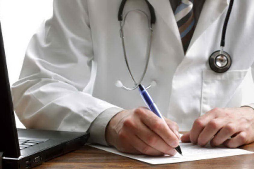 Medici di famiglia, rebus stipendi: ecco in base a cosa si guadagna
