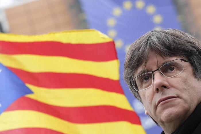 Sassari, Puigdemont in tribunale: le immagini