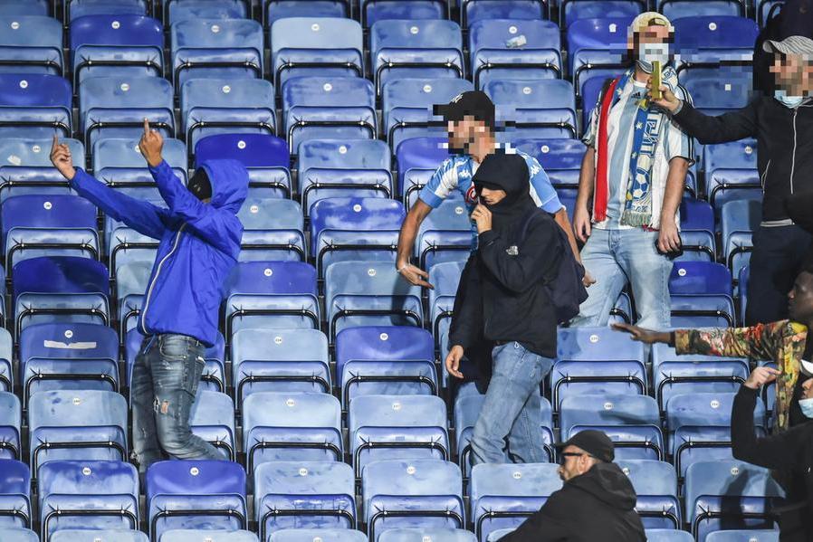 Scontri a Leicester: arrestati dodici tifosi del Napoli