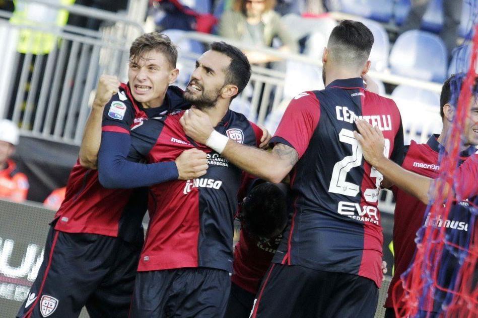 Calcio, il Cagliari con la testa al Pescara: tornano in campo tutti i big