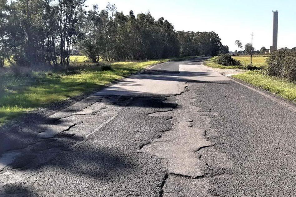Strada provinciale 9: buche e voragini pericolose