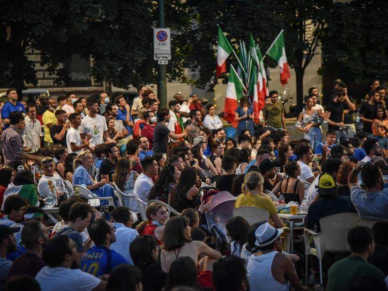 Vittoria dell'Italia agli Europei, esplodono le piazze