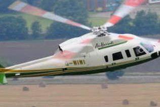 Un elicottero in volo