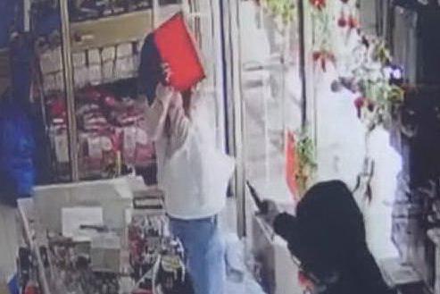 """""""Mi ha puntato la pistola in faccia"""": terrore a Domusnovas"""