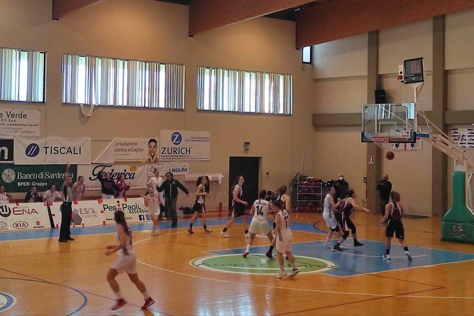 Cus Cagliari ospita Firenze, ha sette gare da recuperare causa Covid