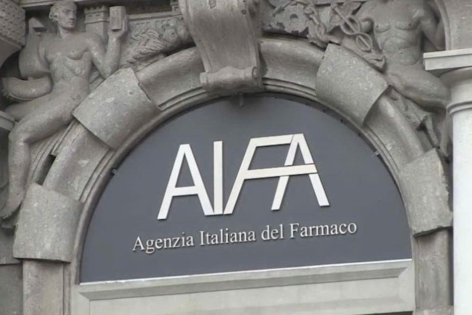 L'Italia e mezza Europa sospendono AstraZeneca