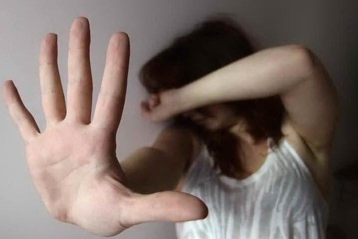 Stuprarono una giovane dentro un bus: gli autori verso l'impiccagione