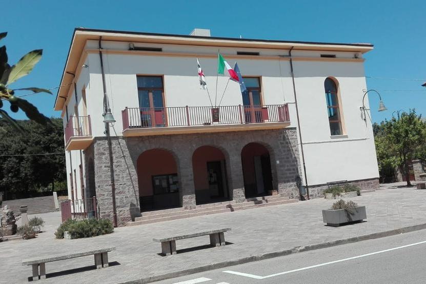 Il municipio di Bulzi (L'Unione Sarda - Tellini)