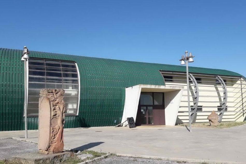 """Il Palazzetto dello sport di Ittiri, una delle sedi dello screening \""""Sardi e sicuri\"""" (foto Tellini)"""