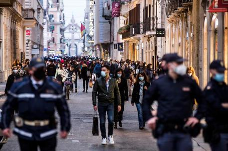 In Italia 3.377 nuovi positivi e67 vittime in 24 ore