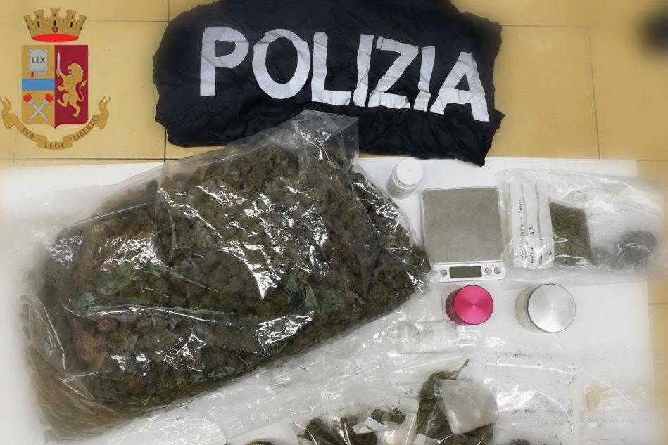 Tiene in casa 1,2 kg di marijuana: 40enne di Siniscola nei guai