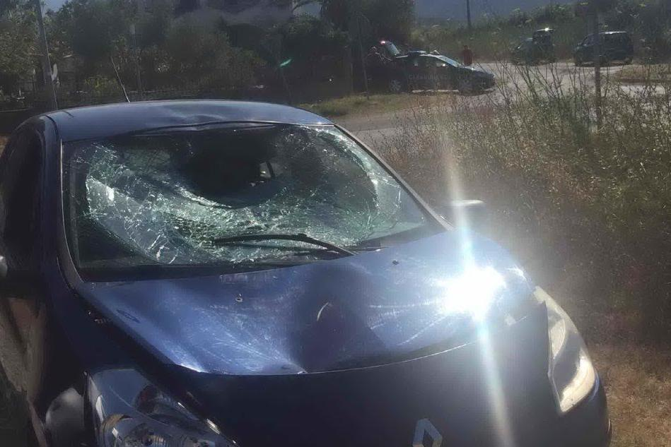 Posada, travolto da un'auto mentre va in bici: è grave