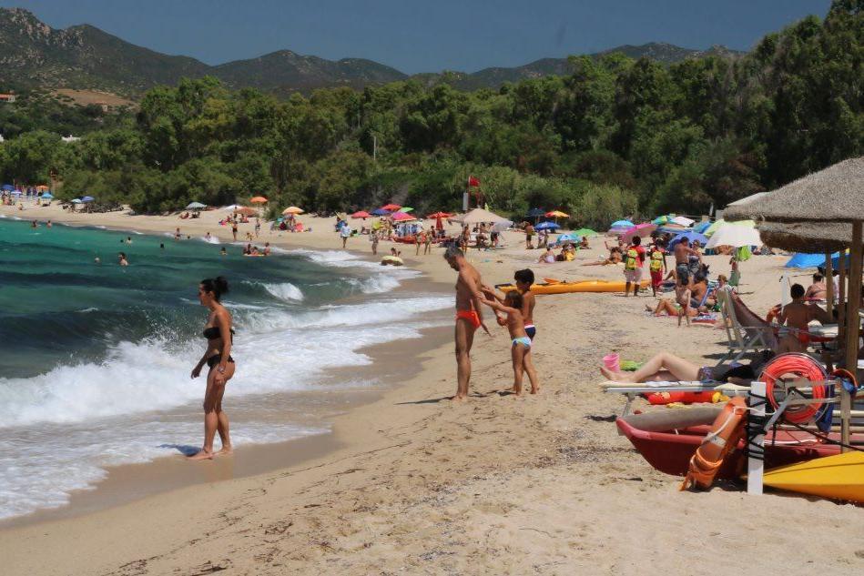 Maracalagonis, nelle spiagge libere vietato l'ingresso ai cani per tutta l'estate