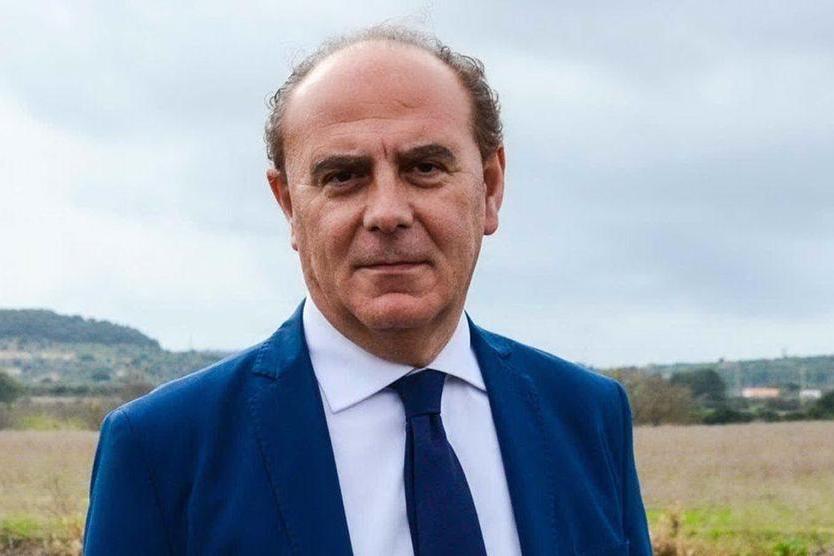 Aggredì l'ex sindaco Mario Bruno e tentò di strangolarlo: Alghero, confermata condanna a 3 anni e mezzo