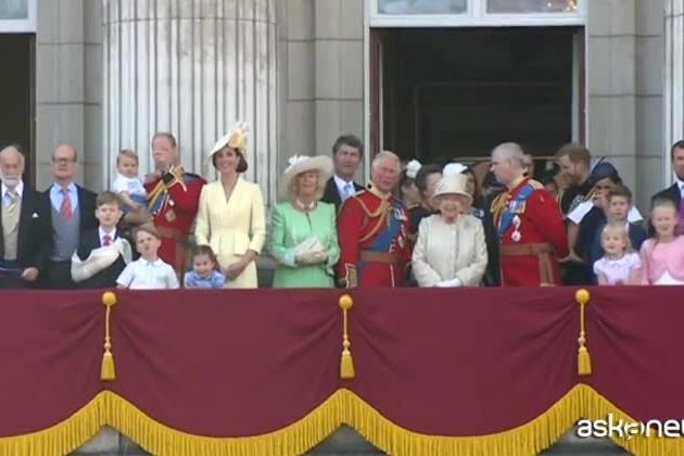 Gran Bretagna, notte all'ospedale per la regina Elisabetta II