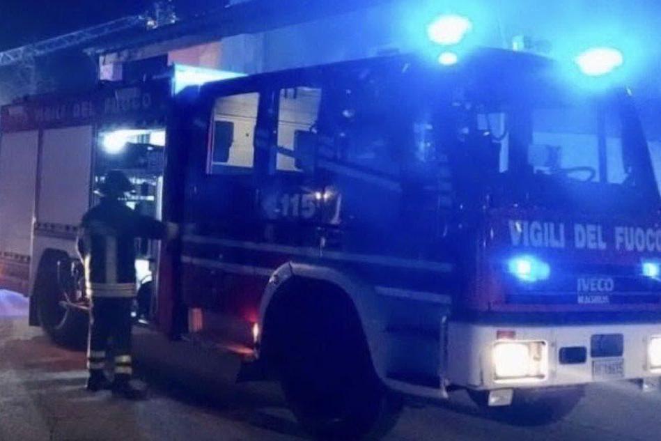 Due auto a fuoco a Villa Sant'Antonio, ipotesi attentato