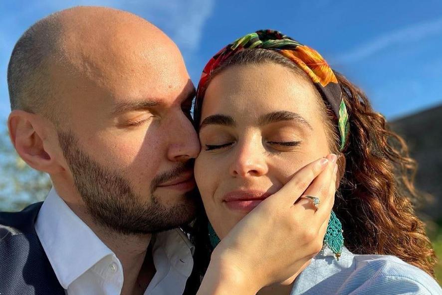 """Nicolò Zenga sposa Marina Crialesi, attrice di """"Un posto al sole"""""""