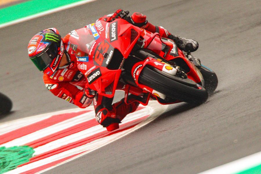 Misano, Bagnaia in pole position. Rossi (all'ultima gara in Italia) solo 22esimo