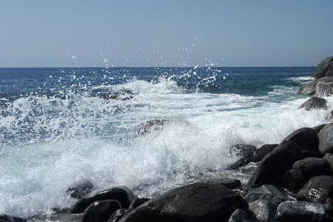 Raffiche di vento e mareggiate: allerta in Sardegna