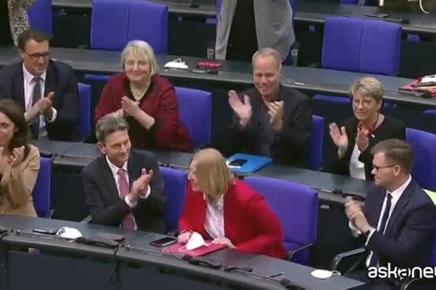 Germania, inizia il dopo Merkel: una donna alla presidenza del Bundestag
