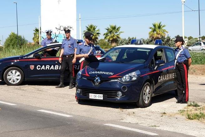 Auto distrutta dal fuoco a Quartu, indagini dei carabinieri