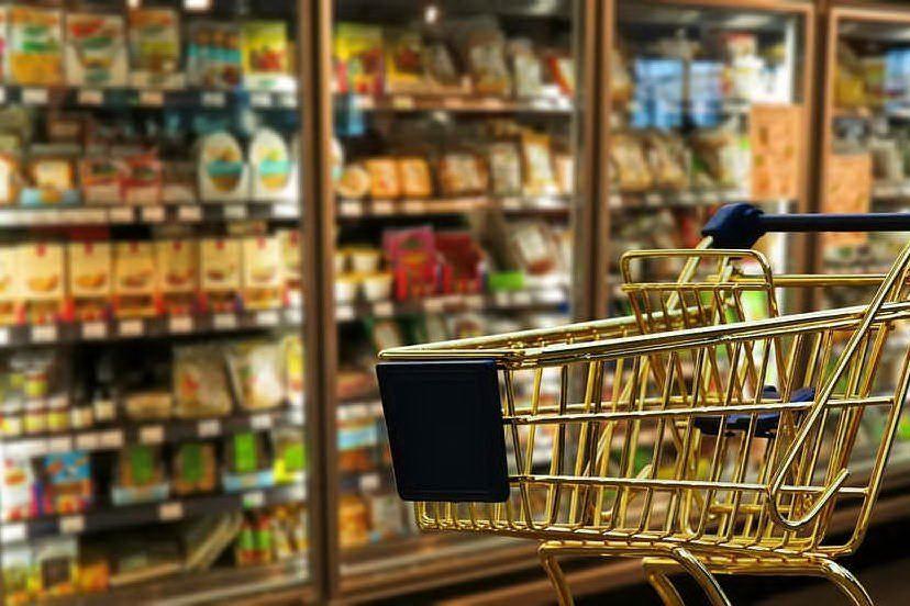 Quartu, ruba salsicce e salame: un disoccupato bloccato dopo la fuga