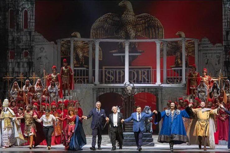 Il cast (foto @PriamoTolu via Teatro Lirico)