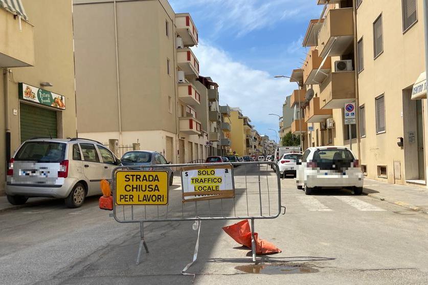 Troppi cantieri aperti e strade chiuse: Alghero,l'opposizione chiede lo stop per agosto