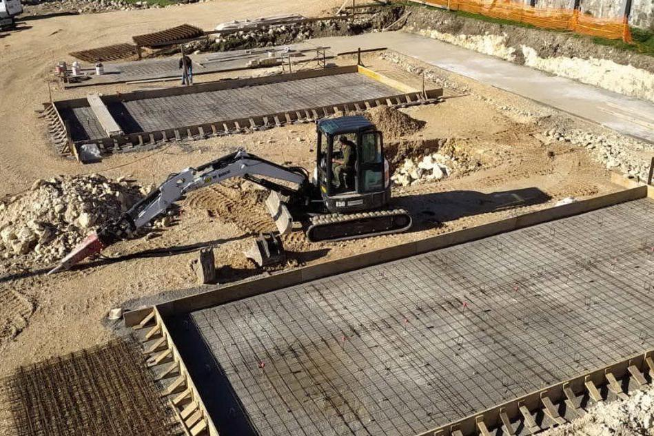 Usini, proseguono i lavori di ampliamento al cimitero e al palazzetto