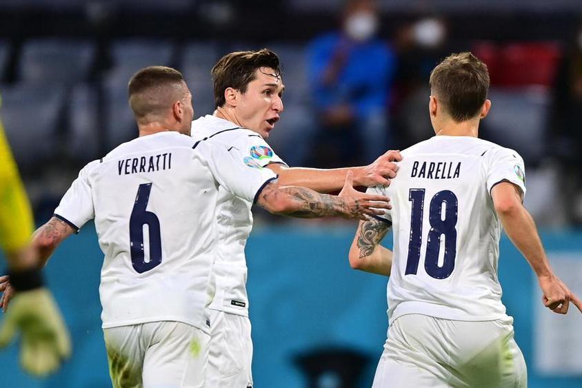 Euro 2020: in campo Italia e Belgio, azzurri in vantaggio con Barella e Insigne