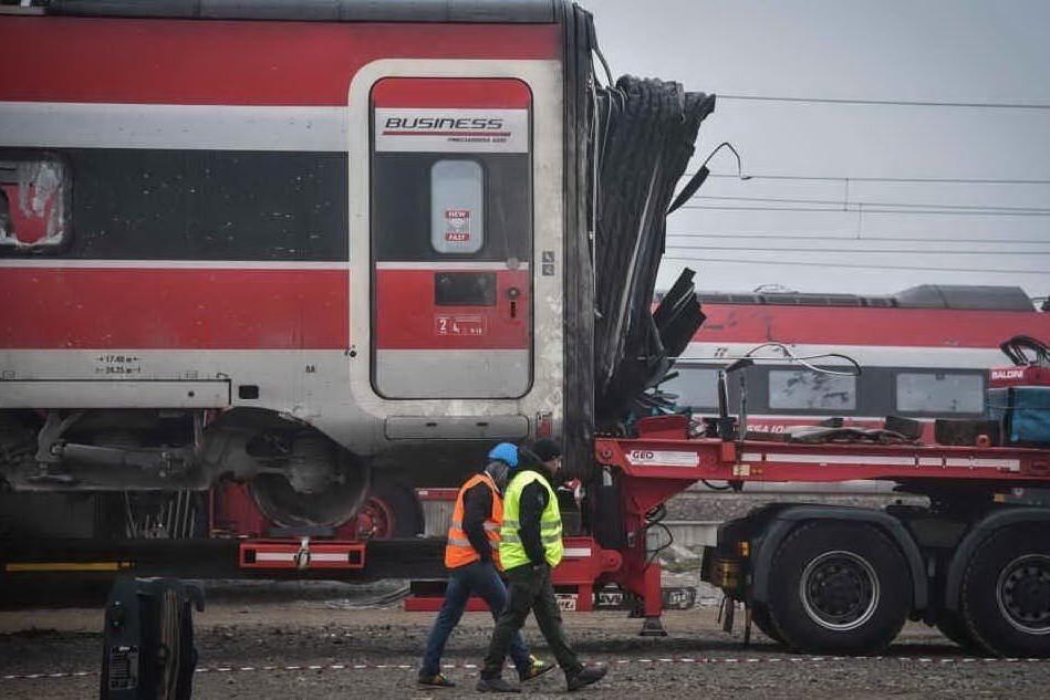 Treno deragliato, sotto inchiesta anche l'amministratore delegato di Rfi
