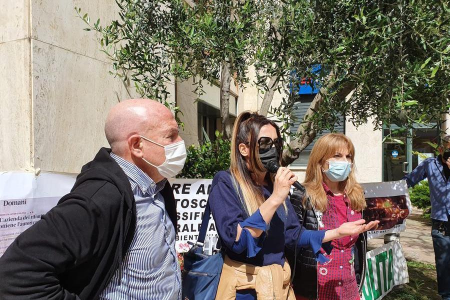 """Cagliari, il sit-in: """"No al rigassificatore a Portovesme"""""""