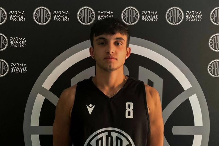 Il giovane cestista nuorese Pasquale Canu vola al Parma
