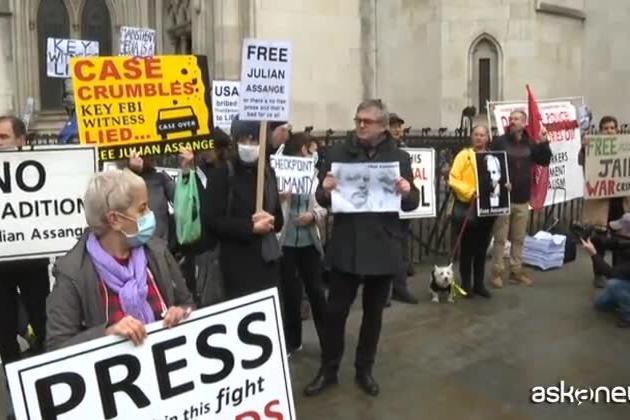 Assange, via a Londra al processo d'appello sull'estradizione