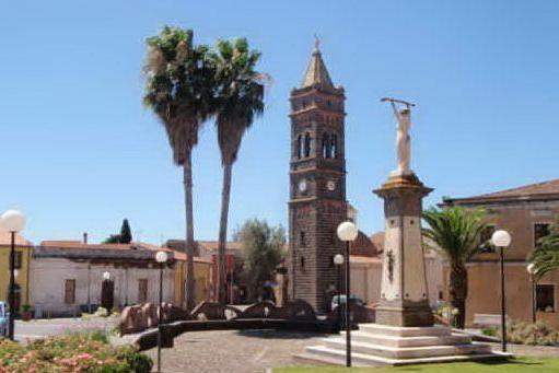 Piazza Martiri, nel centro di Milis (foto Pintus)