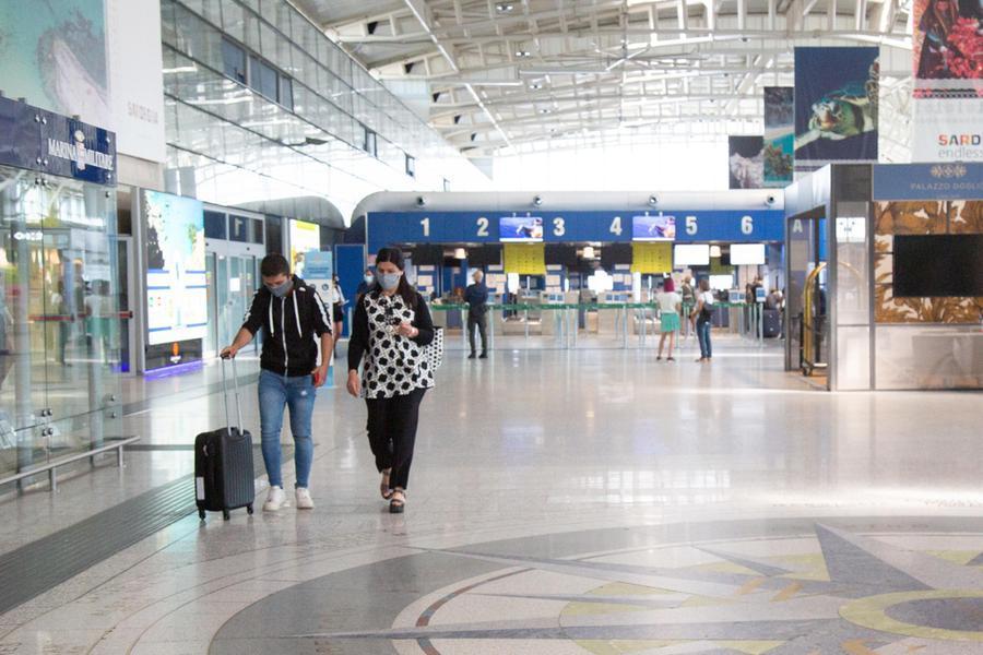 L'aeroporto di Elmas (Archivio L'Unione Sarda)