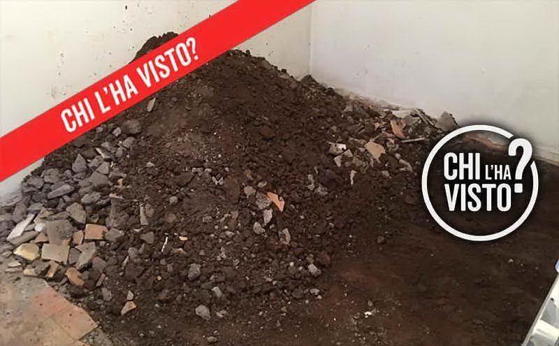 """Il seminterrato dove sono state ritrovate le ossa in un'immagine mostrata dalla trasmissione \""""Chi l'ha visto?\"""" (Ansa)"""