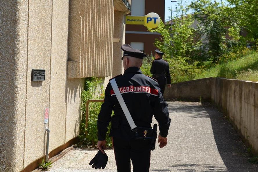 La frode corre sul web: una 54enne di Samatzai si vede sfilare 5mila euro dal conto