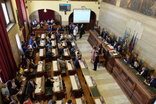Cagliari, alta tensione in maggioranza: l'assessore querela il consigliere comunale Udc