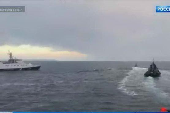 """Kiev denuncia: """"Mosca spara contro le nostre navi"""" VIDEO"""