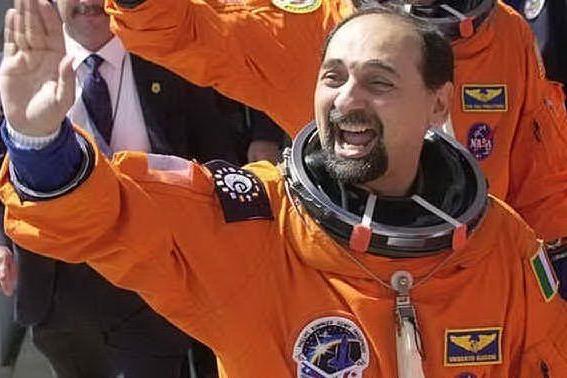Macomer, l'astronauta Umberto Guidoni ospite al Centro Servizi Culturali