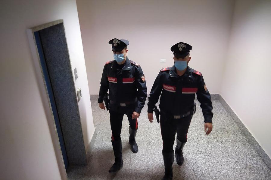 Traffico e detenzione illecita di armi e droga: due denunce a Carbonia