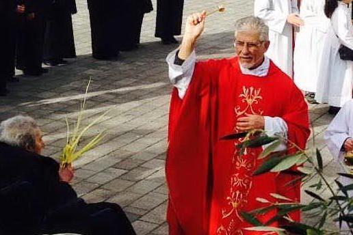 Sinnai, don Angioni dalla parrocchia di Sant'Isidoro a Serri